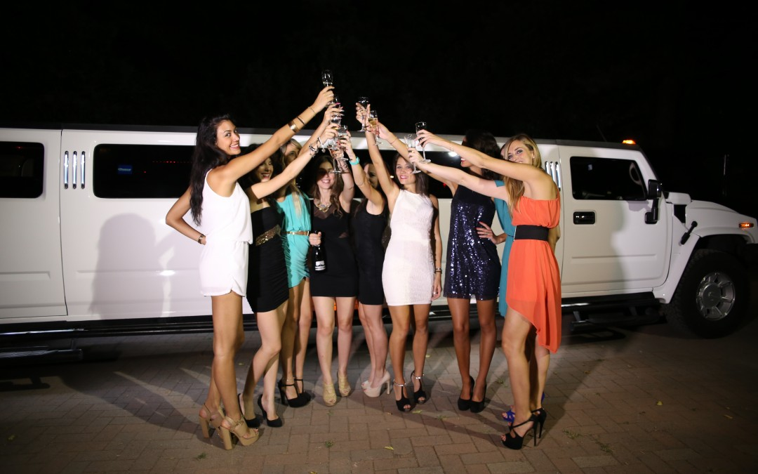 Addio al celibato e addio al nubilato: il segreto? Una serata in limousine!
