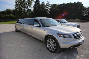 Infiniti FX35 limousine